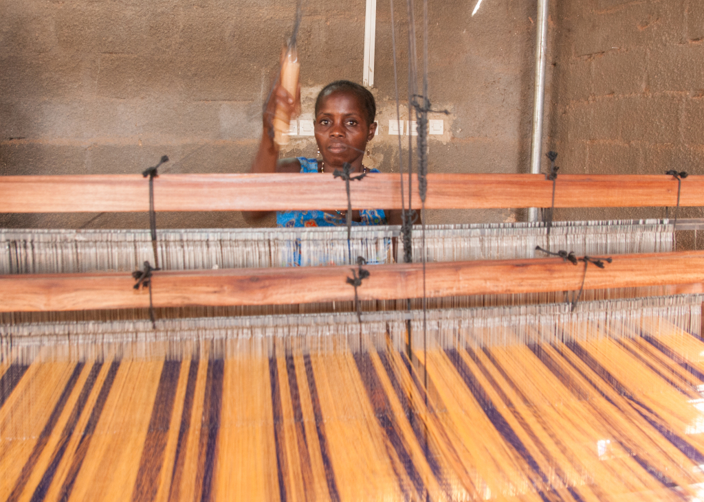 EFI Production in Burkina Faso (c) ITC Ethical Fashion Initiative & Anne Mimault (8)